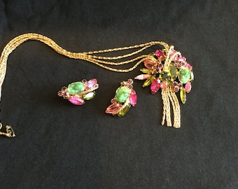 Vintage jewelry pendant with chain and matching clip earrings