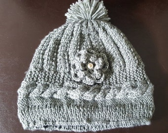 Women Knitten Beanie with Flower  in Grey