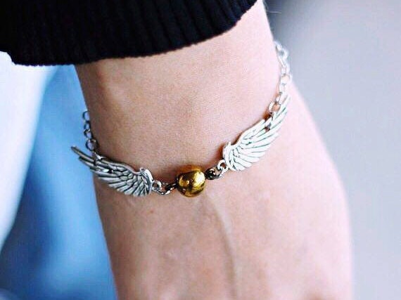 Snitch Bracelet || Quidditch, Harry Potter Jewelry, Potter Jewellery, Geek Gifts, Unusual Gifts, Hogwarts, Gifts for Her, Gifts for Women