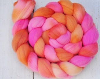 Hand Dyed Merino Top Wool Roving - Hand Painted - Spinning - Felting - Flamenco - 4.2 Ounces