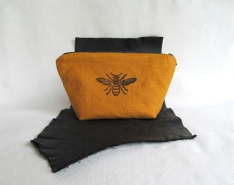 Linen Pouch // Multipurpose Pouch //  Travel Pouch // Large Zippered Pouch // BEE
