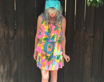 1960s Dress // 60s Mod // Romper // Playsuit // Boho Clothing // Hippie Clothes // Festival Fashion // Floral Print // Twiggy // XXS XS