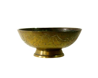 1950s Vintage Brass Bowl, Bohemian Display, Retro Table Centerpiece.