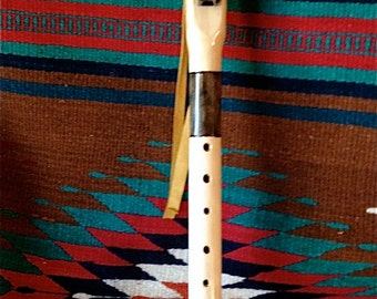 Low E-Flat Native American Style Flute in Pine