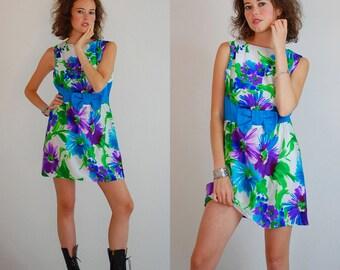 Mod Mini Dress Vintage 60s Watercolor Floral Sleeveless Mod Mini Dress (m l)