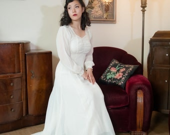Vintage 1930s Wedding Dress - Sheer White Chiffon and Lace Long Train 30s Bridal Gown with Matching Open Crown Hat and Slip