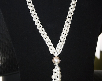 Sell out  ... Beautiful vintage necklace /lariat made of  faux pearls