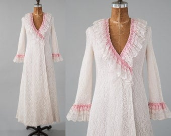 Vintage 1960s Lace Robe Wrap Dress, Long Lace Dressing Gown Party Dress, Lace Ruffles Pink Ribbon, Women's Clothing, Pajamas & Robes, Robes