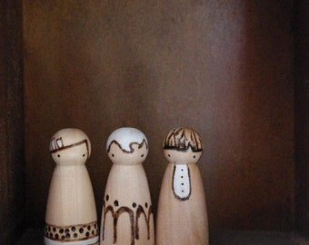 Natural Rustic wood folk art peg dolls .... textures and grain