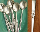 8 Vintage Soup Spoons / 1950's Community Silverplate / Morning Star Pattern