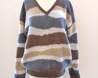 "Vintage Saturdays Skater Boarding Sweater Sandy Neutral Jagged Stripe VNeck 80s Neo Men's Small/Wom's Med. Chest 44"" Shoulder 24"" & 26""Long"