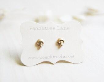 Tiny Brass Gold Mushroom Post Earrings, Woodland 70's earrings, Hippie 90s Grunge Mushroom Gift Idea, Bridesmaid Gifts Woodland Wedding