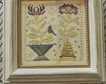 Honey Bee - Garden Club Series #3 - Cross Stitch Pattern by BLACKBIRD DESIGNS Flowers - Bees - Beeskep