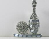 Vintage Rhinestone Bowling Ball and Pin Brooch Pin (B-3-5)