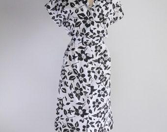 Sale - Black & White Floral, Cotton Shirtwaist Dress- Sz M - L