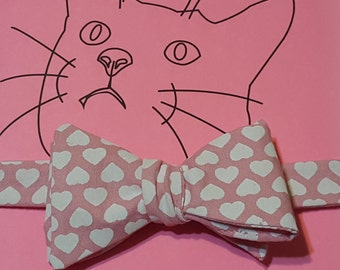 Cat Bow Tie - light pink with white hearts