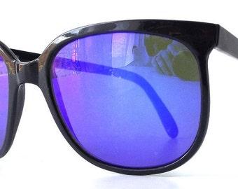 vintage 1980's NOS wayfarer sunglasses black plastic frames blue mirror lenses sun glasses eyewear accessories accessory modern mens womens