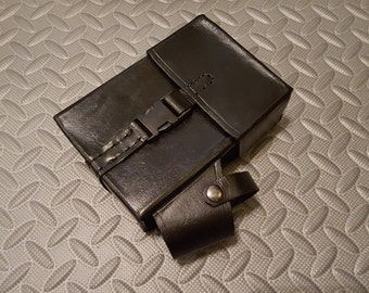 Farscape Crichton leather Pouch.  Black cowhide leather belt Pouch or Bag. Roleplay, Cosplay costuming or Collector Replica