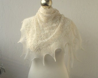 15% OFF Cream hand knitted lace small shawlette with mohair frill