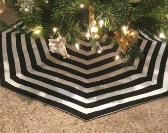 Black White Stripe Modern Octagon Christmas Tree Skirt In Two Sizes :33 or 49 inch Diameter - AFTER New Year Delivery