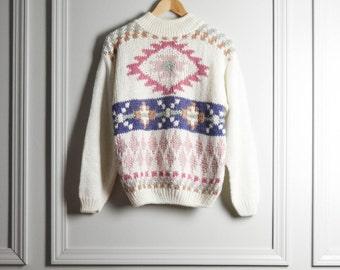 SALE Sweater / White Pastel Southwestern Navajo Pattern / Ramie / Hand Knit / Hipster / 80s Vintage / Medium M