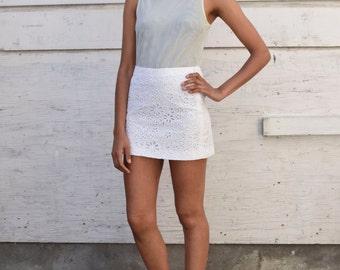 Vintage Prada Italy 1990's White Floral Eyelet Cotton Minimalist Mod Micro Mini Skirt S 28