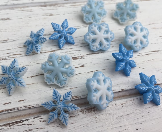 "Blue & White Snowflake Buttons, Packaged Novelty Button Assortment Pack ""I Love Snow"" by Buttons Galore, Style 4794, Shank Back Buttons"