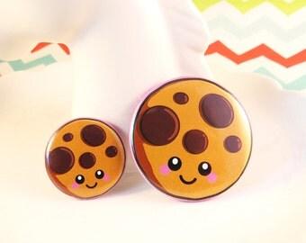 Cute Cookie Badge 25mm 38mm, fun food badge, round cookie pin badge, happy cookie badge, cute cookie illustration, fun stocking filler
