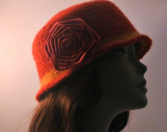 Felted hat with flower maroon crochet