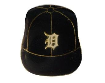 DETROIT TIGERS Logo Baseball Cap mlb vintage enamel pin badge Michigan