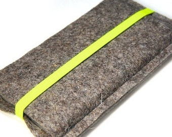 Felt cover for your phone with neon yellow elastic strap