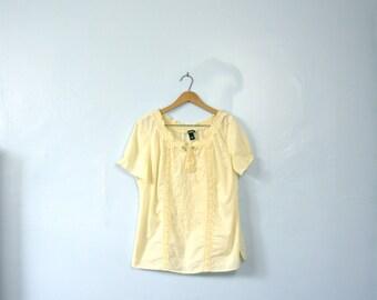 Vintage 90's pale yellow peasant blouse, size large