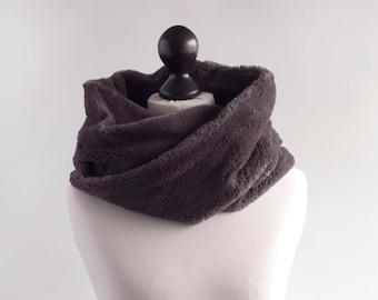 Grey fur infinity scarf. Faux fur infinity scarf. Faux fur snood in mouse grey. Faux fur neck warmer. Womens chunky scarf. Fur neck wrap
