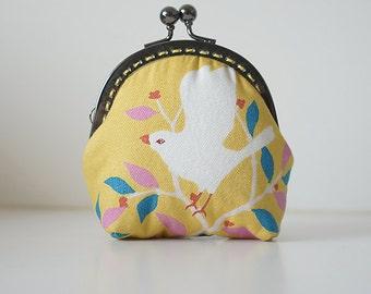 Purse // Bird // Vintage // Yellow