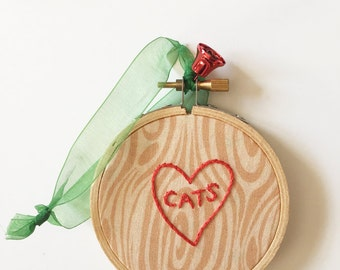Embroidery Hoop Cats Christmas Ornament. Cat Lover's Gift. Tree Decoration. Holiday Home Decor. Tree bark Holiday Ornament. Unique Ornament