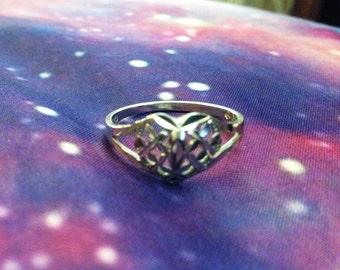 18K White Gold SweetHeart Ring