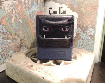 Magic the Gathering Deck Box (Blue with Purple Eyes and Tusks)