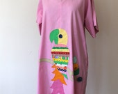 1970s Pink Parrot House Dress // Large