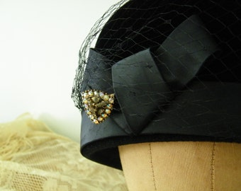 SALE Vintage Evelyn Varon Pillbox Hat, Made in Italy, S