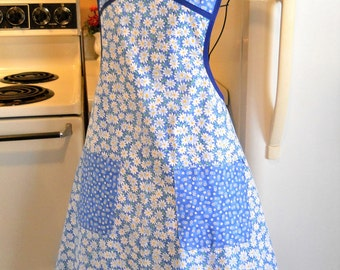 Women's Full Apron in Blue with Daisies MADE TO ORDER