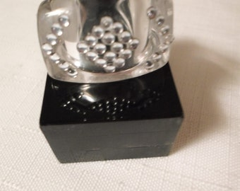 Vintage / SOUTHWEST LUCITE RING / Size 6-3/4 / Clear Lucite / Silver Studs / Disco / Chunky / Retro / Rockabilly / Modernist / Accessory