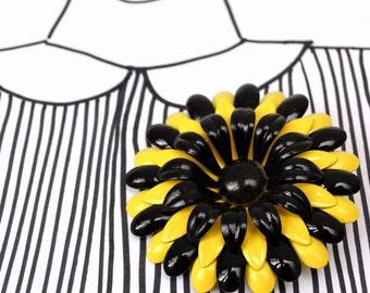 Vintage Enamel Large Flower Brooch - Black Yellow