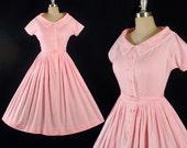 Vinatge 50s Dress / 1950s TEENA PAIGE Pink Cotton Belted Sundress Crochet Lace Trim Shirtwaist Picnic Garden Party Full Swing Skirt M Medium