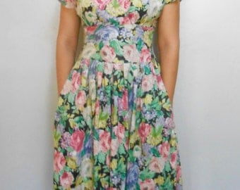 Vintage 1980s floral A-line midi-length garden dress, size 8 / Medium