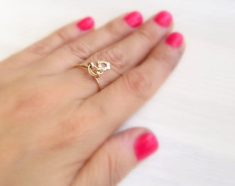 Gold flower ring. Flower charm ring. Dainty gold ring