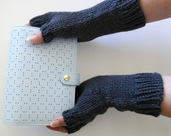 Charcoal GREY GLOVES. Knit Gloves. Gloves for Her. ALPACA Wool Mittens. Dark Grey Gloves. Winter Gloves. Gifts for Her. Ready to Ship