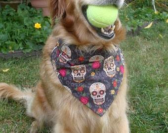 Sugar skulls Dog Bandana, day of the dead over the collar dog bandana, red rose dog bandana, sugar skulls, dia de los muertos, artsydogs