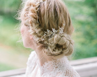 Pearl and flower bridal comb