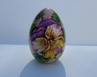 wood Easter egg, flower Easter egg,  Pansy, Easter gift,  pyrography, wood burning