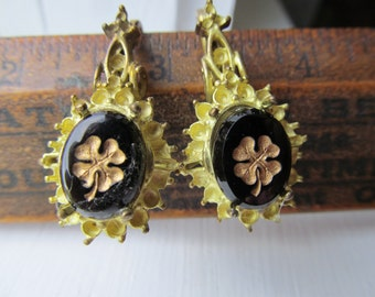 2 Vintage Clover Cabochon In Great Old Setting